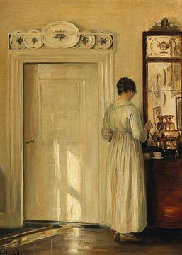Eine Frau macht Tee