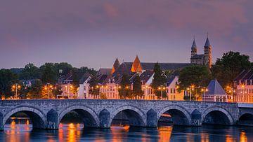 Zonsondergang bij de Sint Servaasbrug in Maastricht
