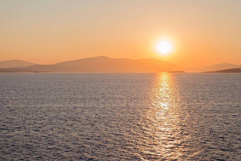 Sfeervolle zonsopkomst van Miranda van Hulst