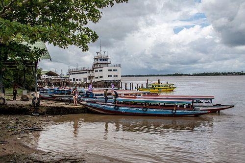 Bootovertocht Surinamerivier.