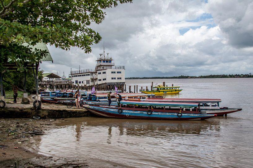 Bootovertocht Surinamerivier. van Ton de Koning
