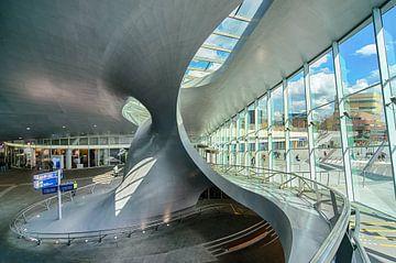 S-curve in Station Arnhem Centraal van Michael Echteld