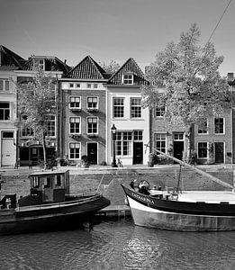 De Brede Haven van Den Bosch in zwart-wit van Den Bosch aan de Muur