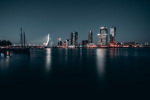 Erasmusbrücke bei Nacht #2 von Chris Koekenberg
