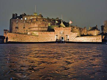 Edinburgh Castle bei Nacht von Hannon Queiroz