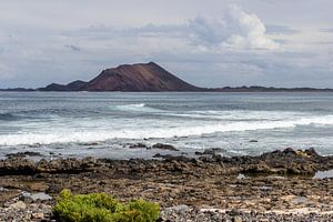 Vue d'une partie de la côte de Corralejo sur l'île canarienne de Fuerteventura