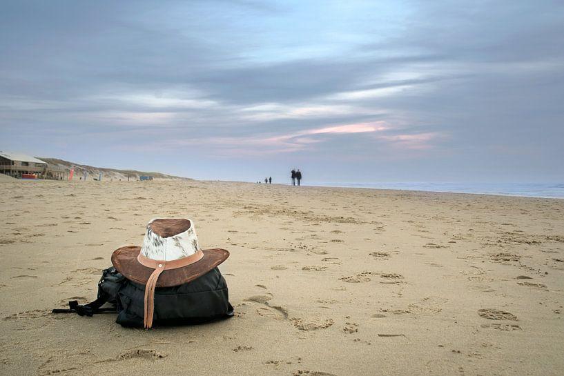 Uitwaaien aan het strand van Christa Thieme-Krus