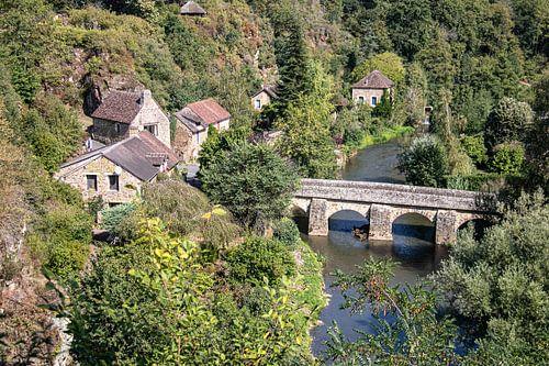 Brug over rivier in Frankrijk