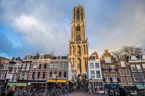 Prachtig licht op de Domtoren in Utrecht van