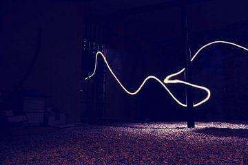 Lichtstraal in de kelder van Thijs GROENHUIS