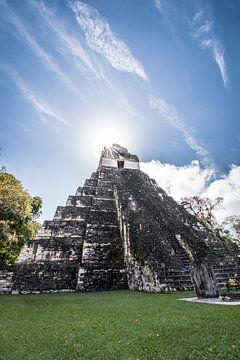 Tikal Jaguar Tempel van Kim van Dijk