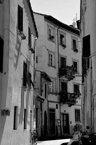 Toscane Italië Lucca Binnenstad zwart wit