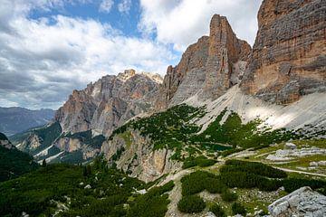 fascinerende bergwereld in de dolomieten met veel weide/klimhellingen van Leo Schindzielorz