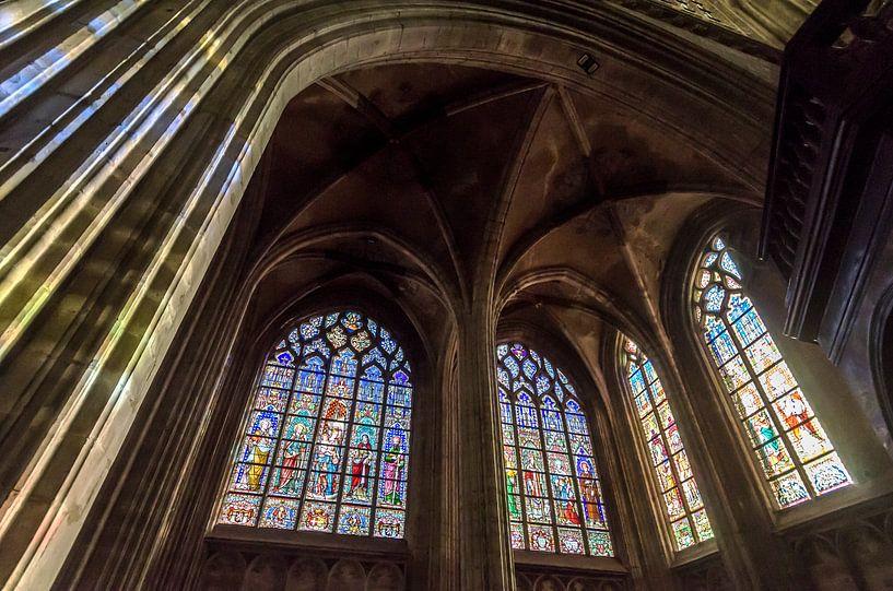 Kleur in de kerk van Mark Bolijn