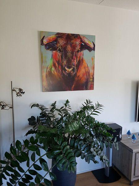 Kundenfoto: Gemälde eines Porträts eines Stiers von Liesbeth Serlie