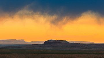 Stormfront tijdens zonsondergang in Arizona van Henk Meijer Photography