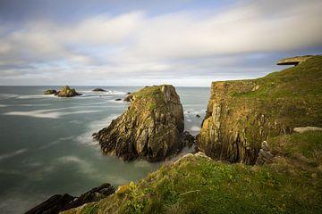 Felsenküste und Klippen der Bretagne, Frankreich von Sander Groffen