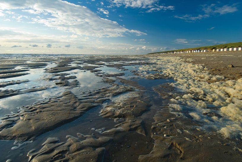 Strand en zee van Aukje Bakker