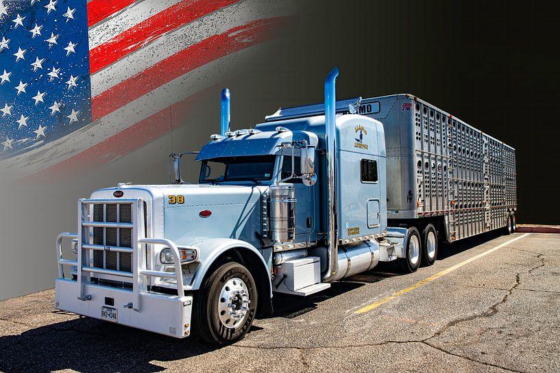 Amerikaanse Truck, Peterbilt, met veetransport-trailer. van Gert Hilbink
