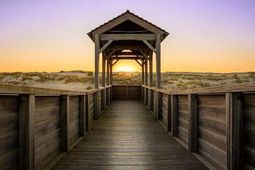 Symmetrie zonsondergang duinen in Petten