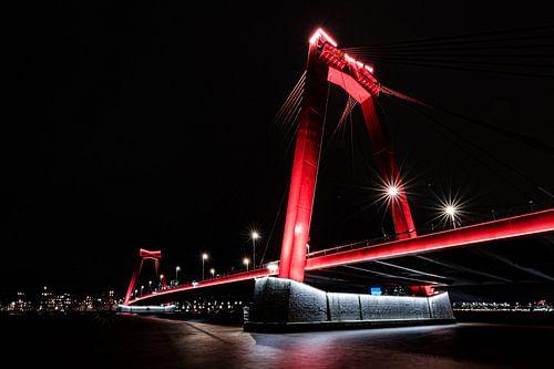 De Willemsbrug in de avond van Eddy Westdijk