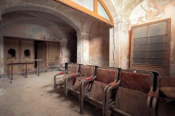des places de théâtre désertes sur Kristof Ven