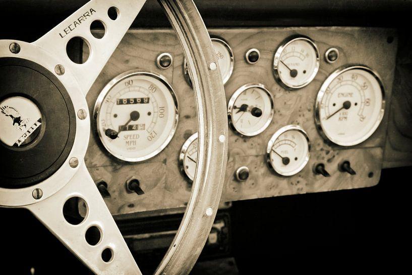 Tableau de bord d'époque Jaguar XK 120 sur Jan van der Knaap