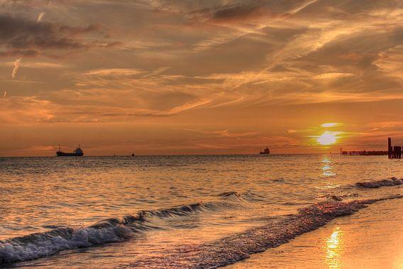 Zonsondergang strand Zoutelande
