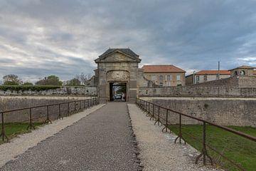 Porte des Campani à Saint Martin de Ré, France van Maarten Hoek