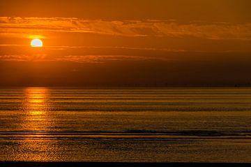 September zonsondergang op het strand van Zandvoort. sur Don Fonzarelli