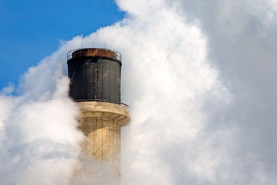 Schoorsteen rook te Rotterdam van Anton de Zeeuw