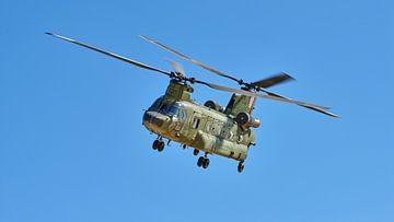 Chinook transporthelikopter van de Nederlandse Koninklijke Luchtmacht van Jenco van Zalk