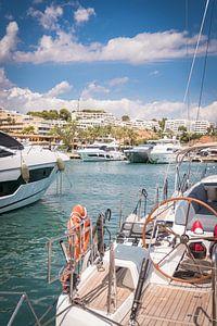 Haven van Puerto Portals, Mallorca. van Paul Kaandorp