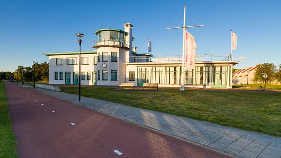 Voormalige luchthavengebouw burgerluchthaven Welschap, Meerhoven