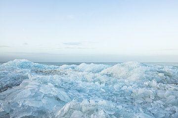 Kruiend ijs op Urk van Johan Kalthof