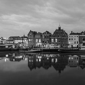 Stadhuiskade Maassluis (Zwart Wit) van Michiel Buijse