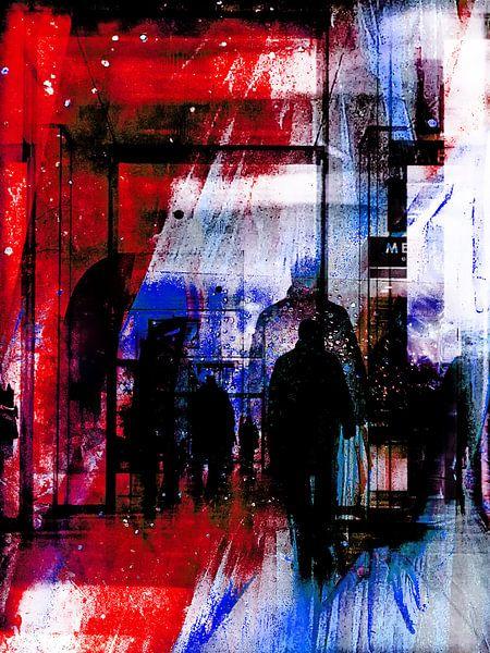 Men in the gallery van Gabi Hampe