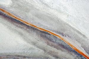 Colours of Water, Owens Dry Lake,   Californië, USA van Marco van Middelkoop