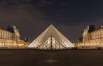 Le musée du Louvre à Paris. sur MS Fotografie | Marc van der Stelt