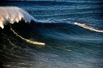 Surfen Nazaré Portugal van Marieke van der Hoek-Vijfvinkel