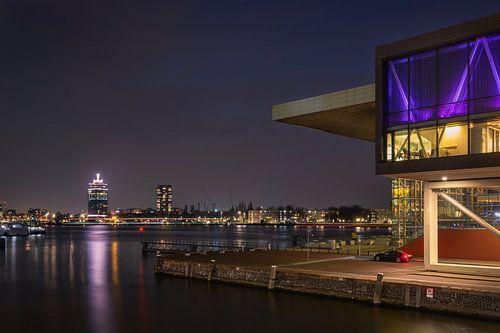 Muziekgebouw en A'DAM toren van