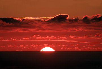 Sonnenuntergang über dem Meer von Jolanta Mayerberg