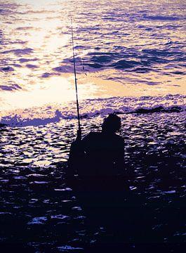 Relaxed vissen bij zonsondergang von Nannie van der Wal