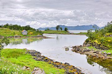Waterside Idyll on Eidsfjorden van Gisela Scheffbuch