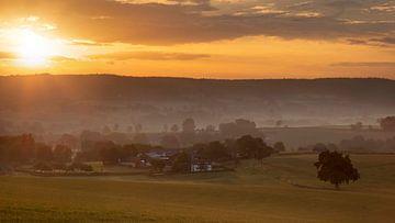 Uitzicht op het Zuid-Limburgse Diependal van Bas Ronteltap