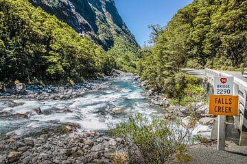 Falls Creek op de Milford Road, Nieuw Zeeland van Christian Müringer