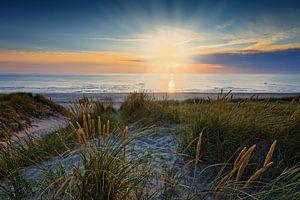 zonsondergang in de Noordzee bij de duinen van Petten