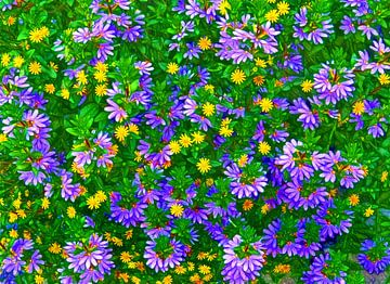 Flower-Wall in Purple (Paarse en Lila Bloemen) van Caroline Lichthart
