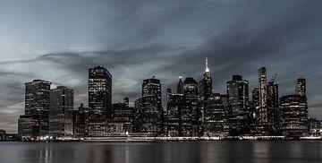 New Yorker Skyline bei Nacht, Manhattan von Raf Verbraeken