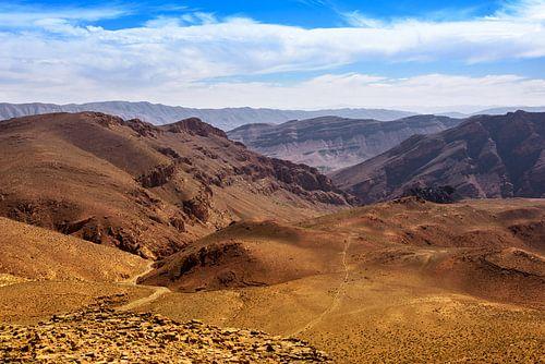Ongerept berglandschap van de Midden-Atlas, Marokko